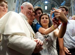 pb-130829-pope-selfie-630a.photoblog900